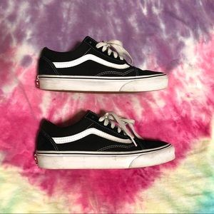 Classic Black and White Low Top Old School Vans.
